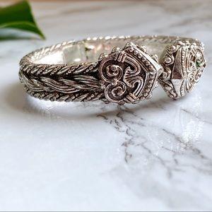 🎉5/20 SALE🎉 vintage hinged cuff bracelet
